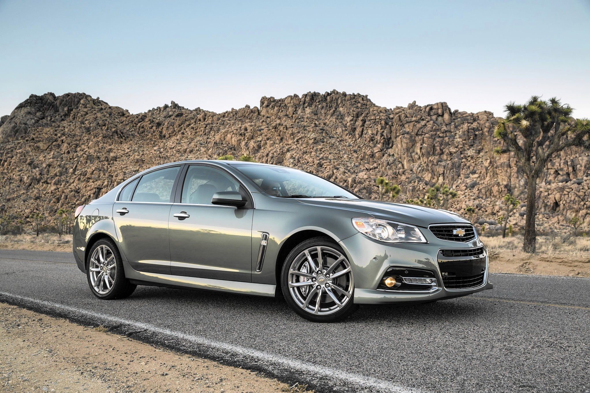Auto Review 2015 Chevy Ss Shifts Into Modern Muscle Sedan