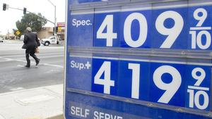 Consumer advocates: Oil refiners manipulate California gas prices