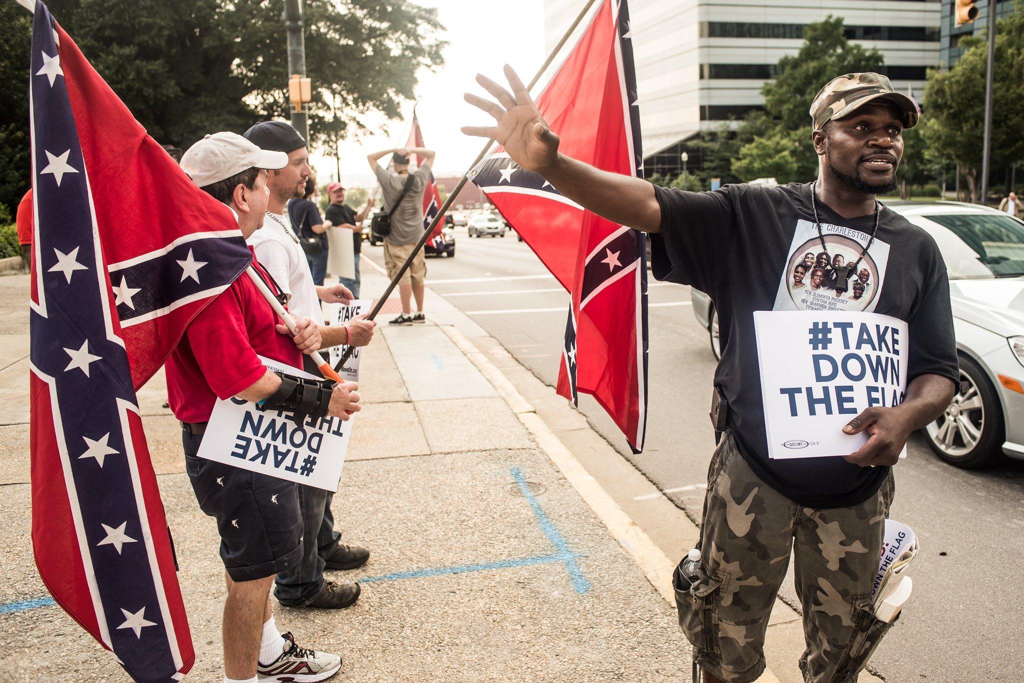 One lawmaker pushes 25 amendments to South Carolina Confederate flag bill
