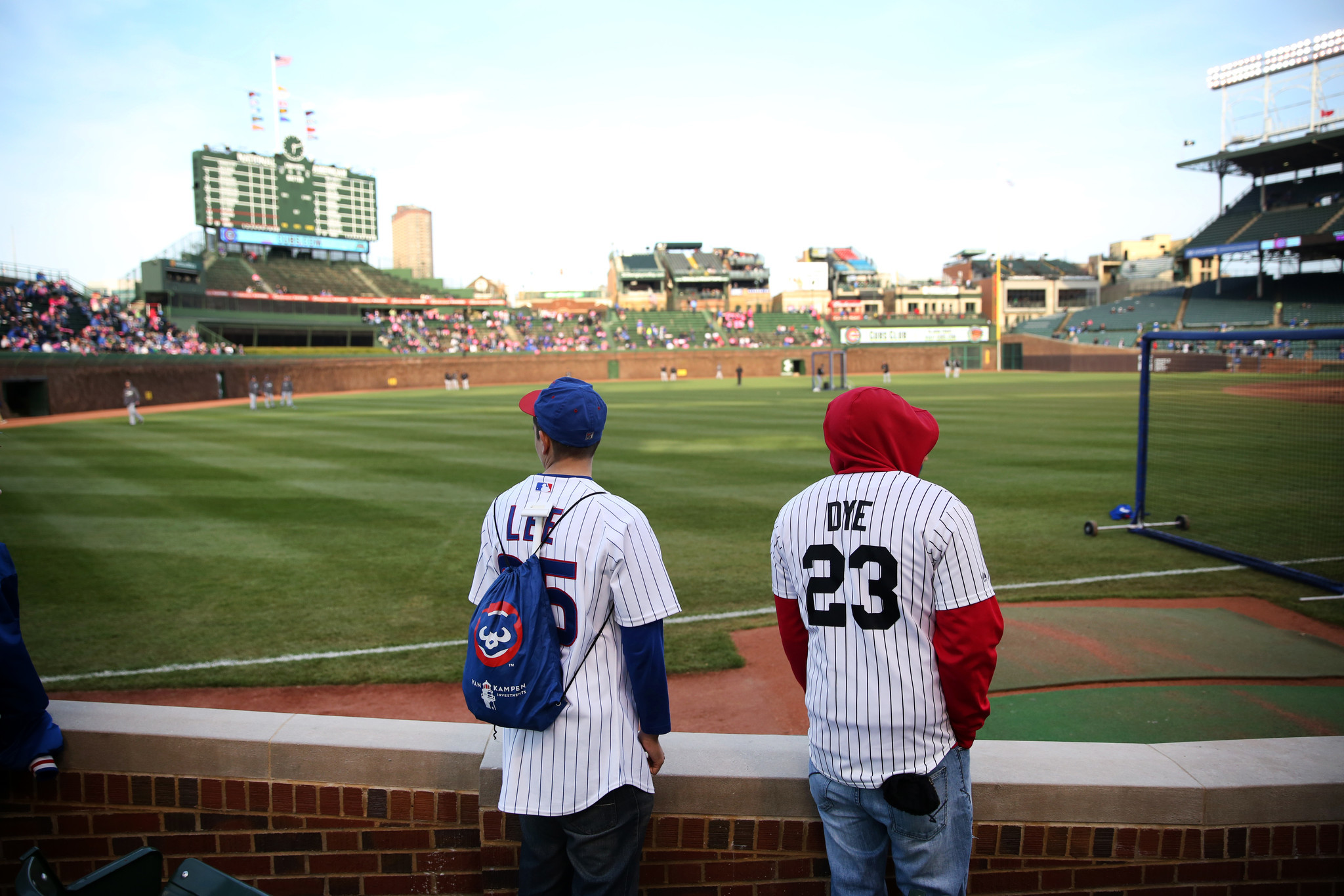 3 kinds of fans you'll find at Cubs-Sox games