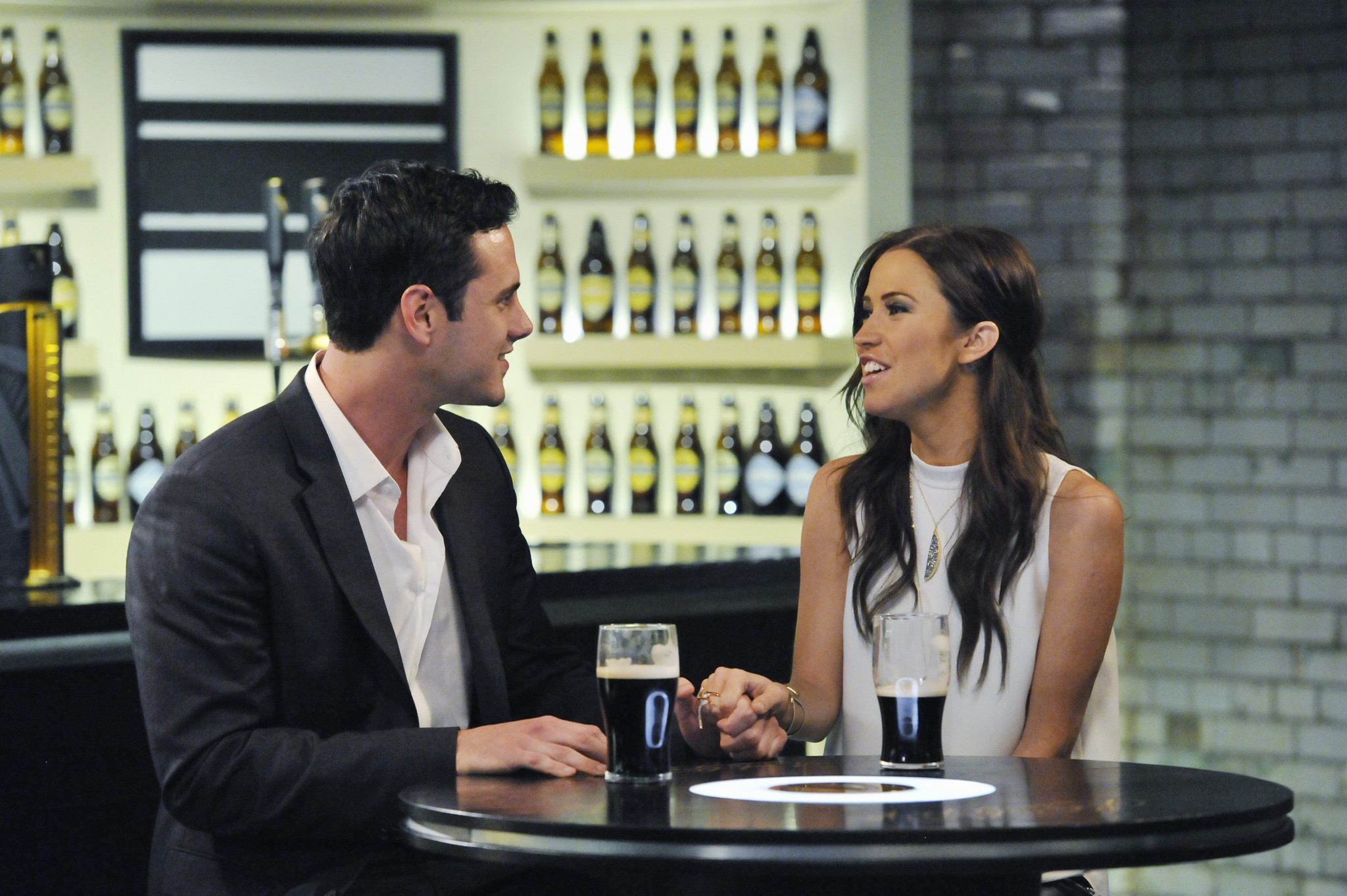 The Bachelorette Recap So Called Hometown Dates With Final Two