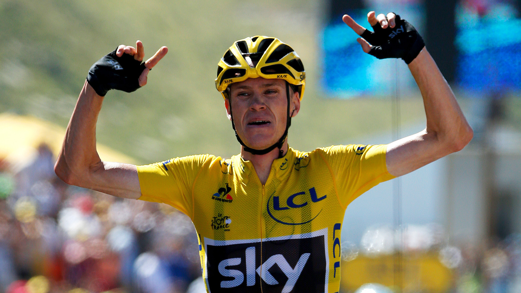 Overall leader chris froome wins 10th stage of tour de for Richie porte salary