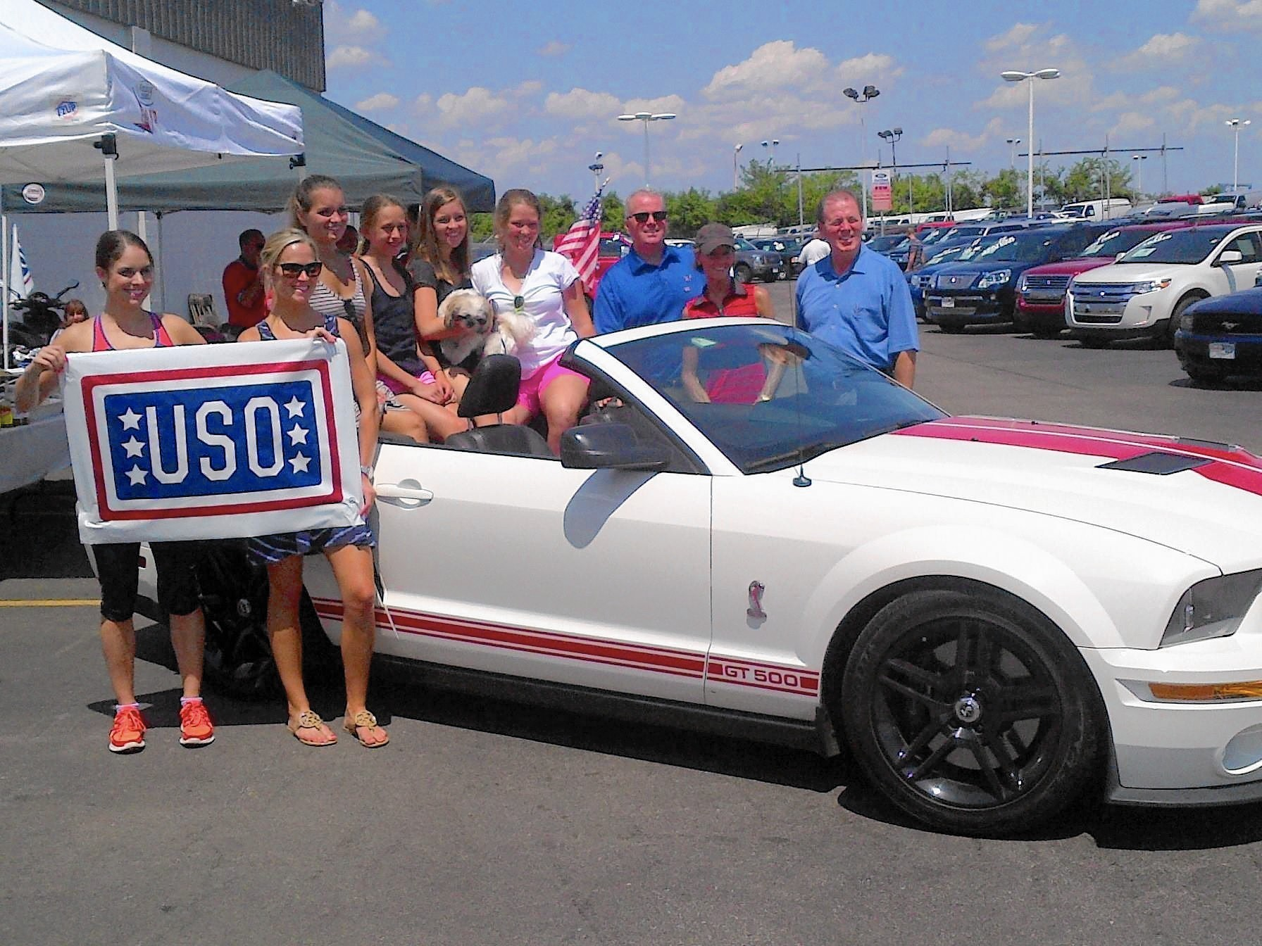 Chicago Car Dealers Cook Up Donations For Illinois Troops