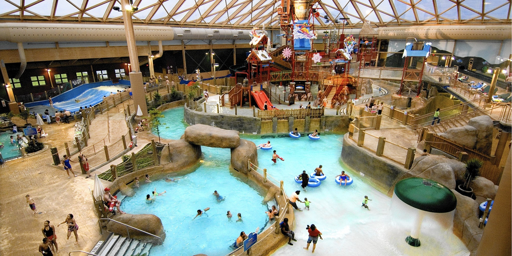 two new water parks challenge great lodge in the poconos - the