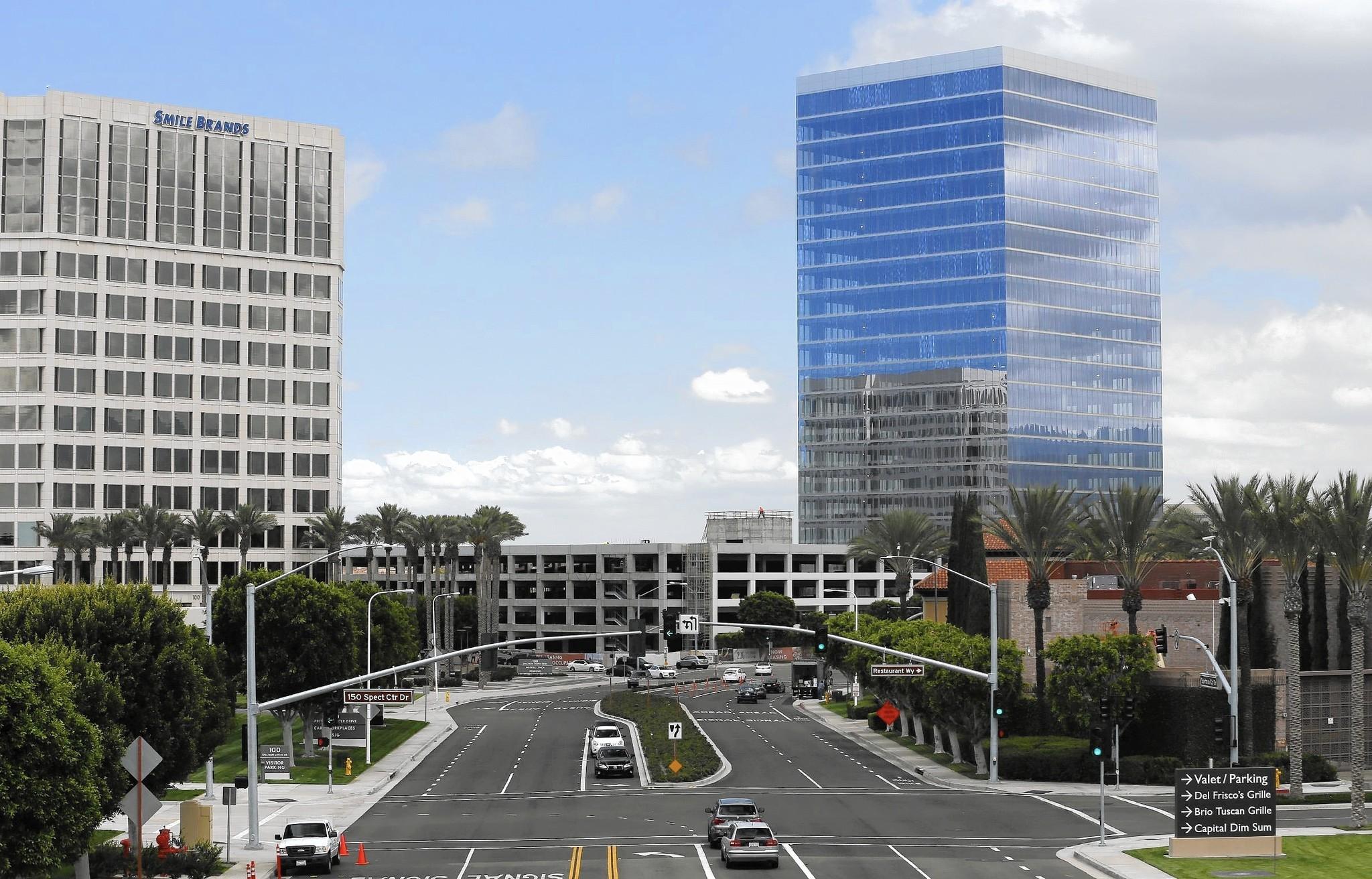 Orange county economic growth finally revving into high - Maison d architecte orange county californie ...