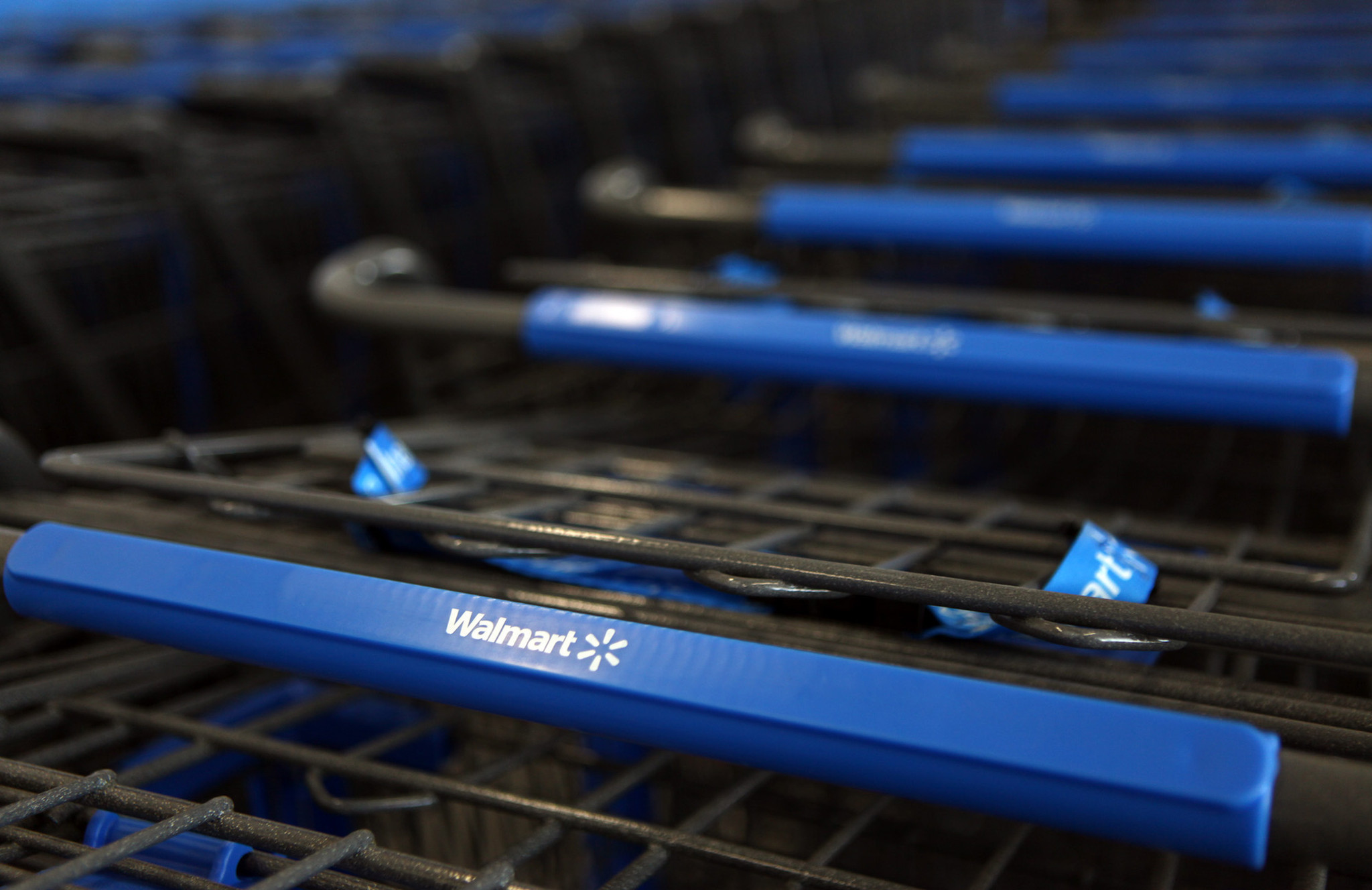 wal mart ends overnight hours at some locations chicago tribune walmart overnight jobs