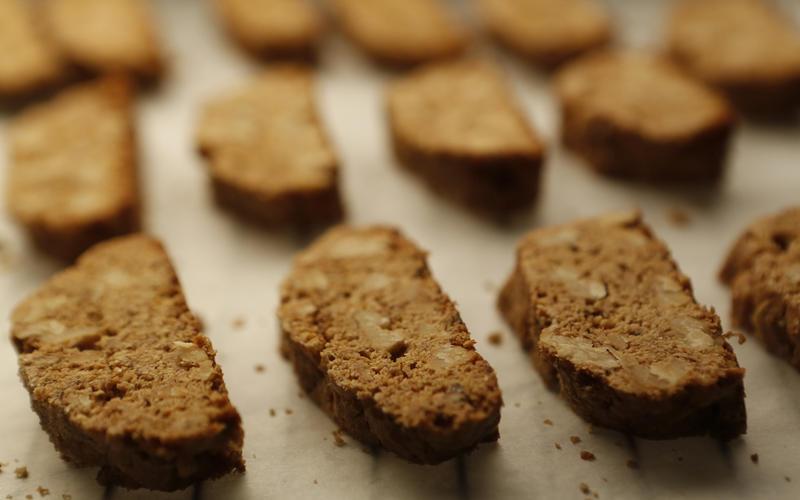 Walnut spelt biscotti with olive oil