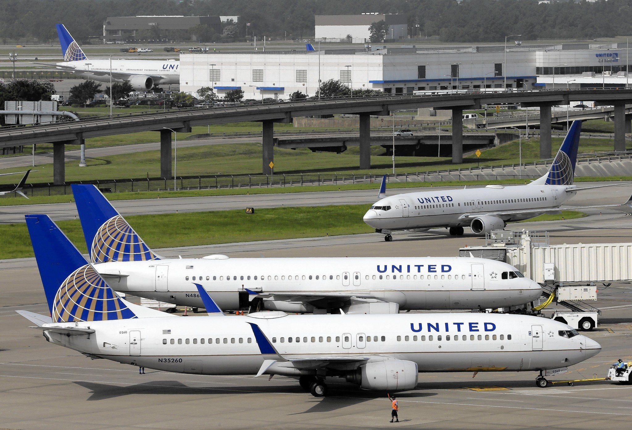 united baggage costs united airlines customer service compla