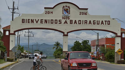 In his hometown, El Chapo known for benevolence