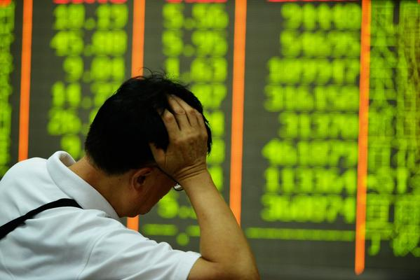 China's stock market drops 8.5%, its biggest single-day fall since 2007