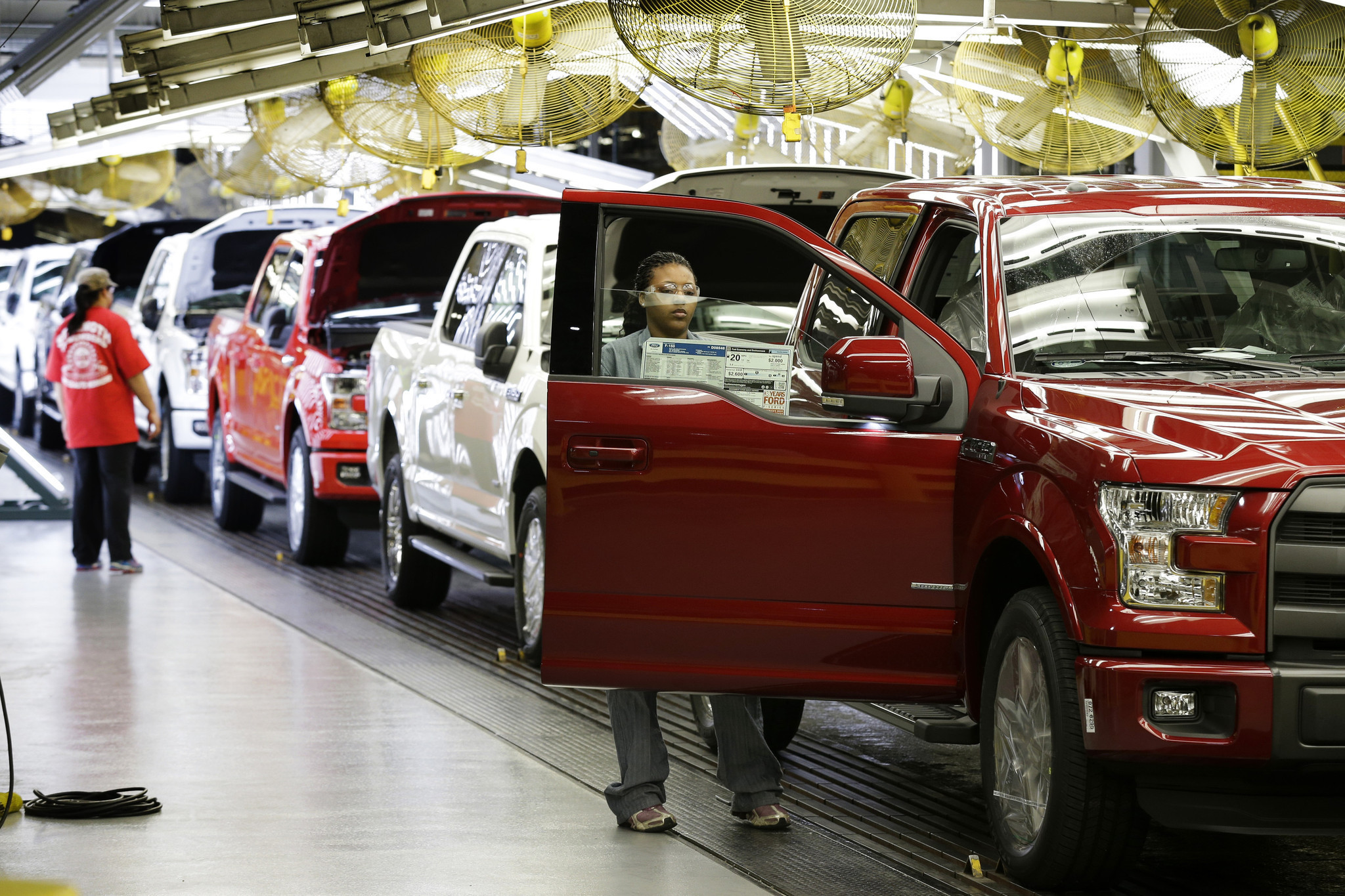 Ford s aluminum f 150 to cost more for repairs insurer group says la times