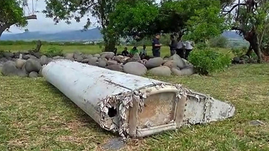 Official: Plane debris in Indian Ocean from Boeing 777, same type as MH370