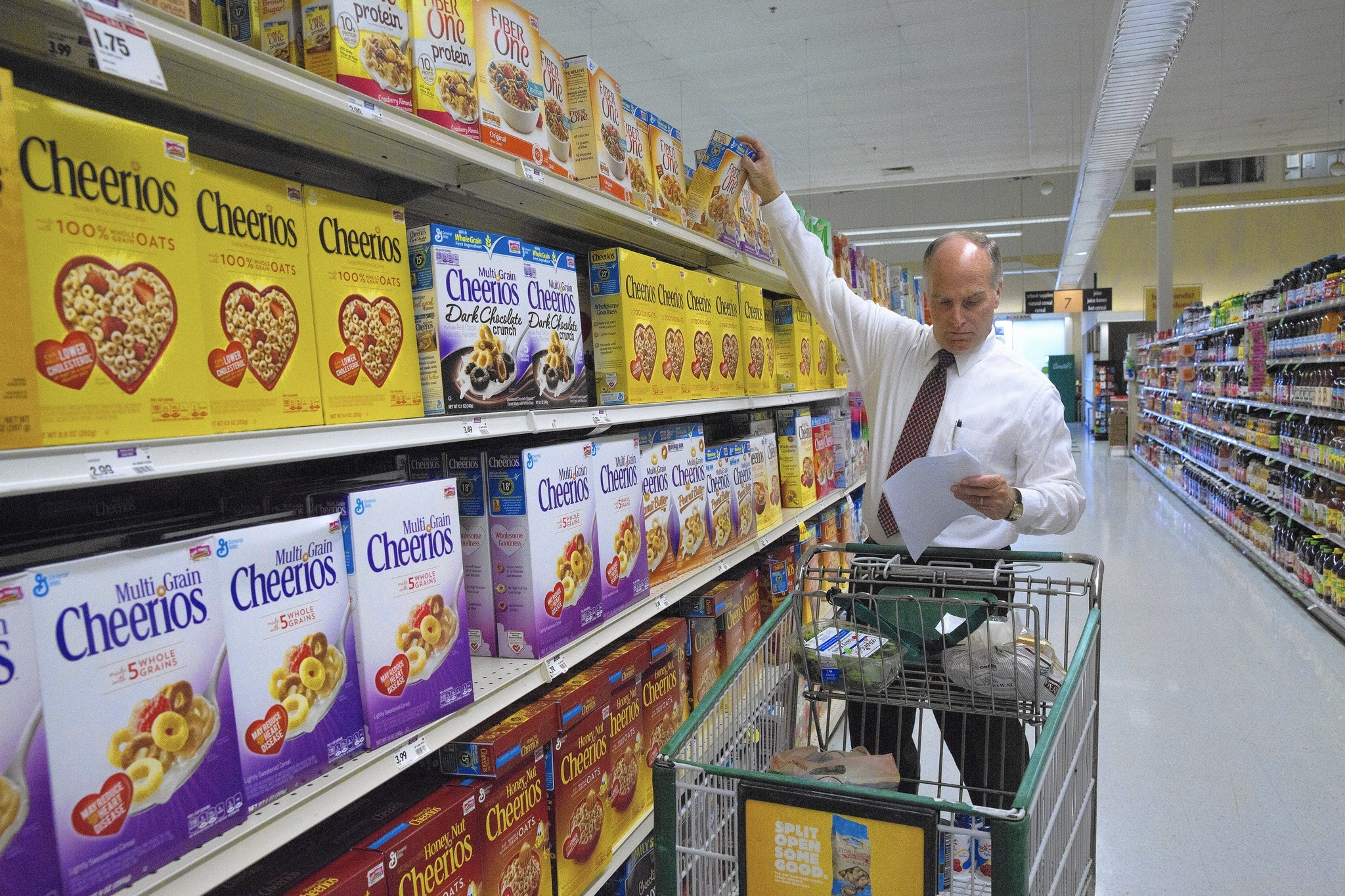 UnitedHealthcare offers savings for shopping healthy at the grocery