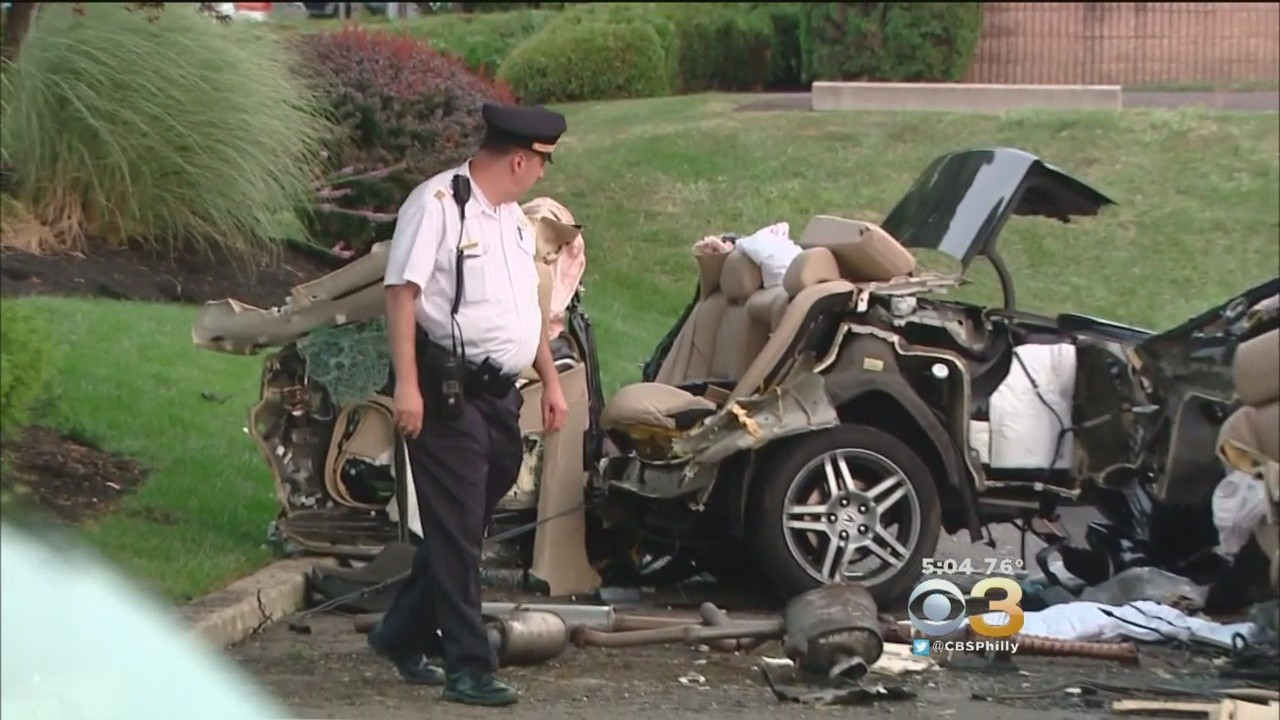 Witness: Bloodied driver in triple-fatal crash was there ...
