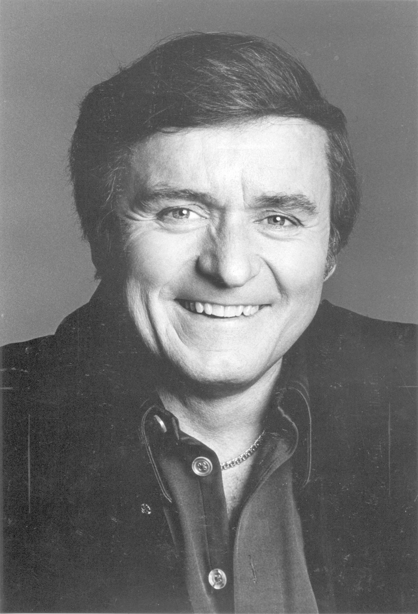 Mike Douglas 81 Singer And
