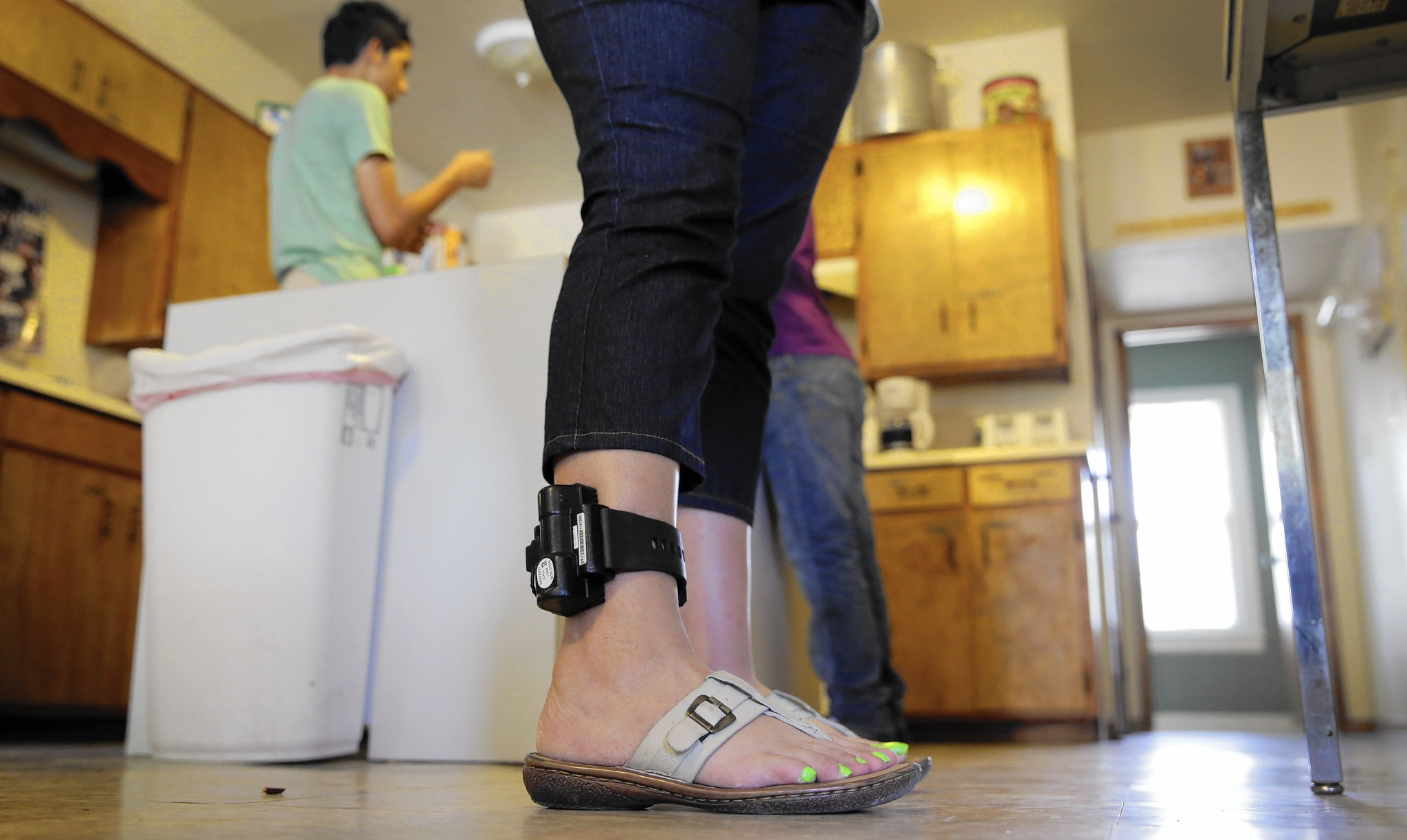 Immigrants Object To Growing Use Of Ankle Monitors After Detention  La  Times