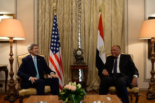 U.S., Egypt resume formal security talks with Kerry visit
