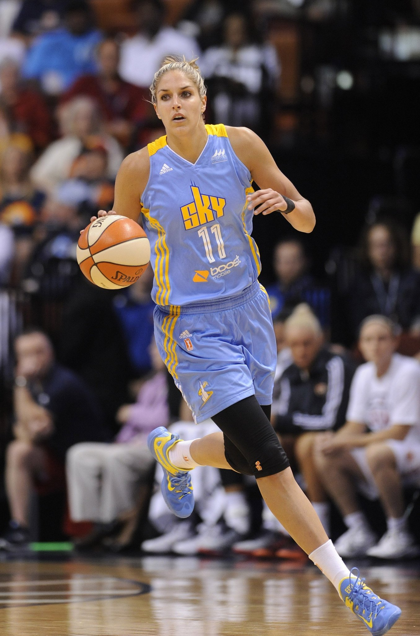 Elena Delle Donne leads hot Sky to 106-82 win over Fever ...