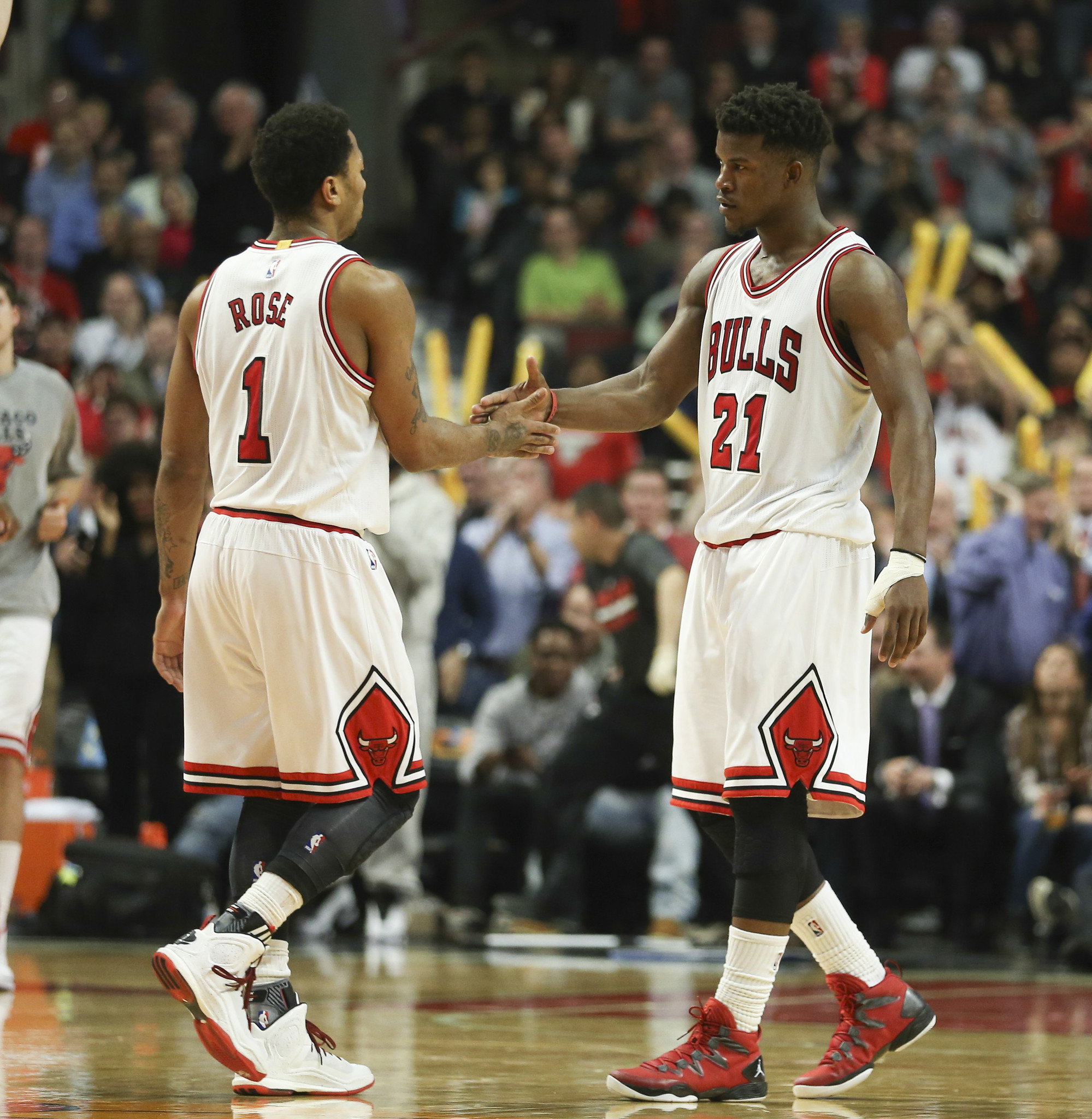 Usa Basketball Offers Invite To Jimmy Butler Derrick Rose Opts