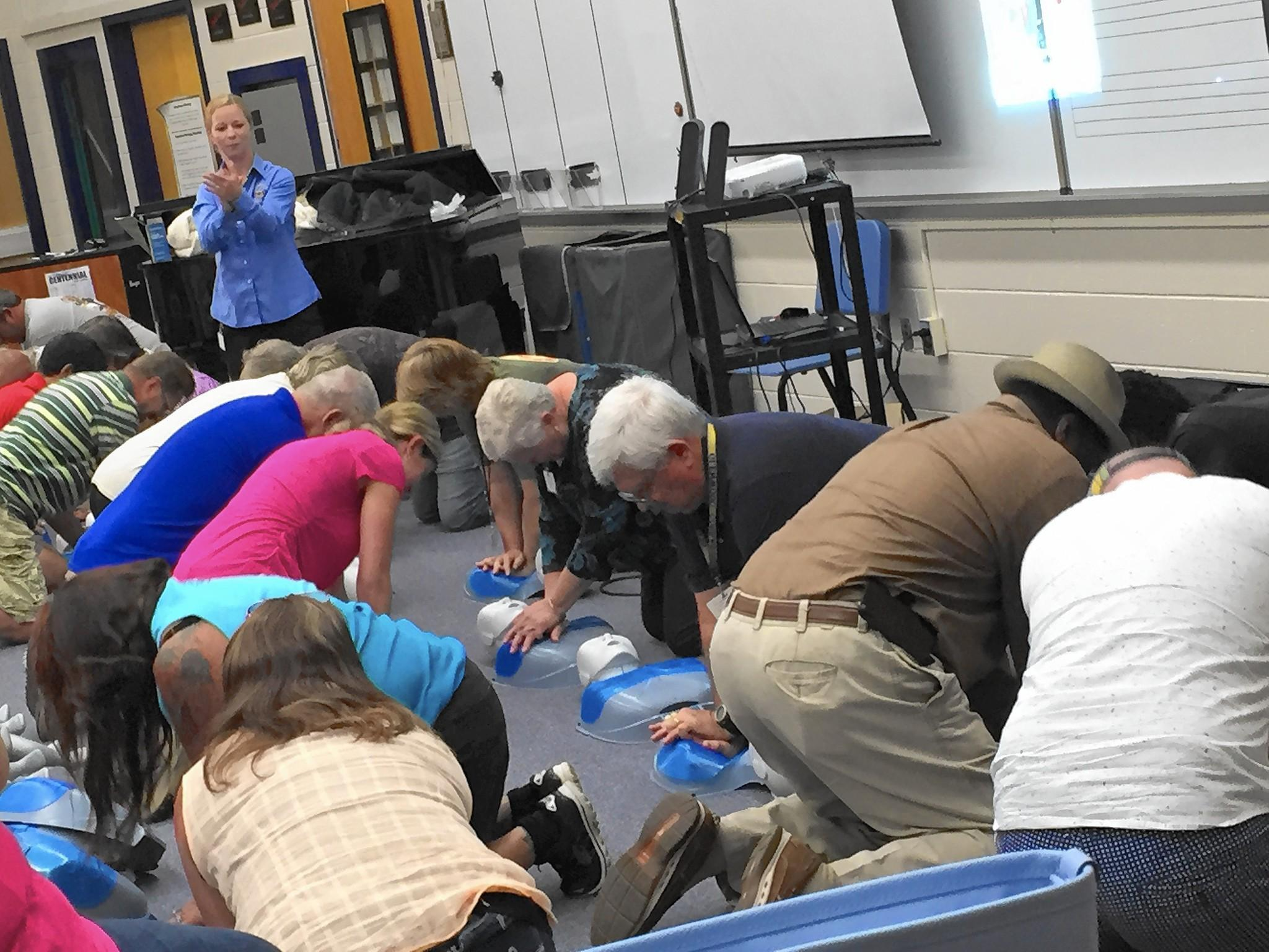Hcpss bus drivers take hands on approach to cpr training hcpss bus drivers take hands on approach to cpr training columbia flier xflitez Image collections