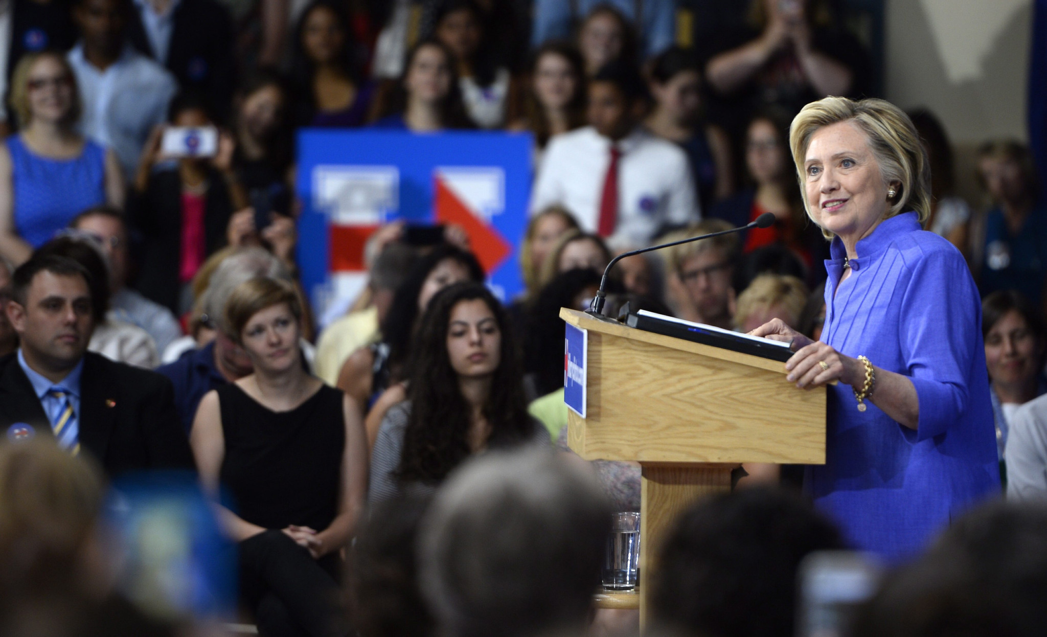 Hillary Clinton unveils $350-billion plan to make college more affordable