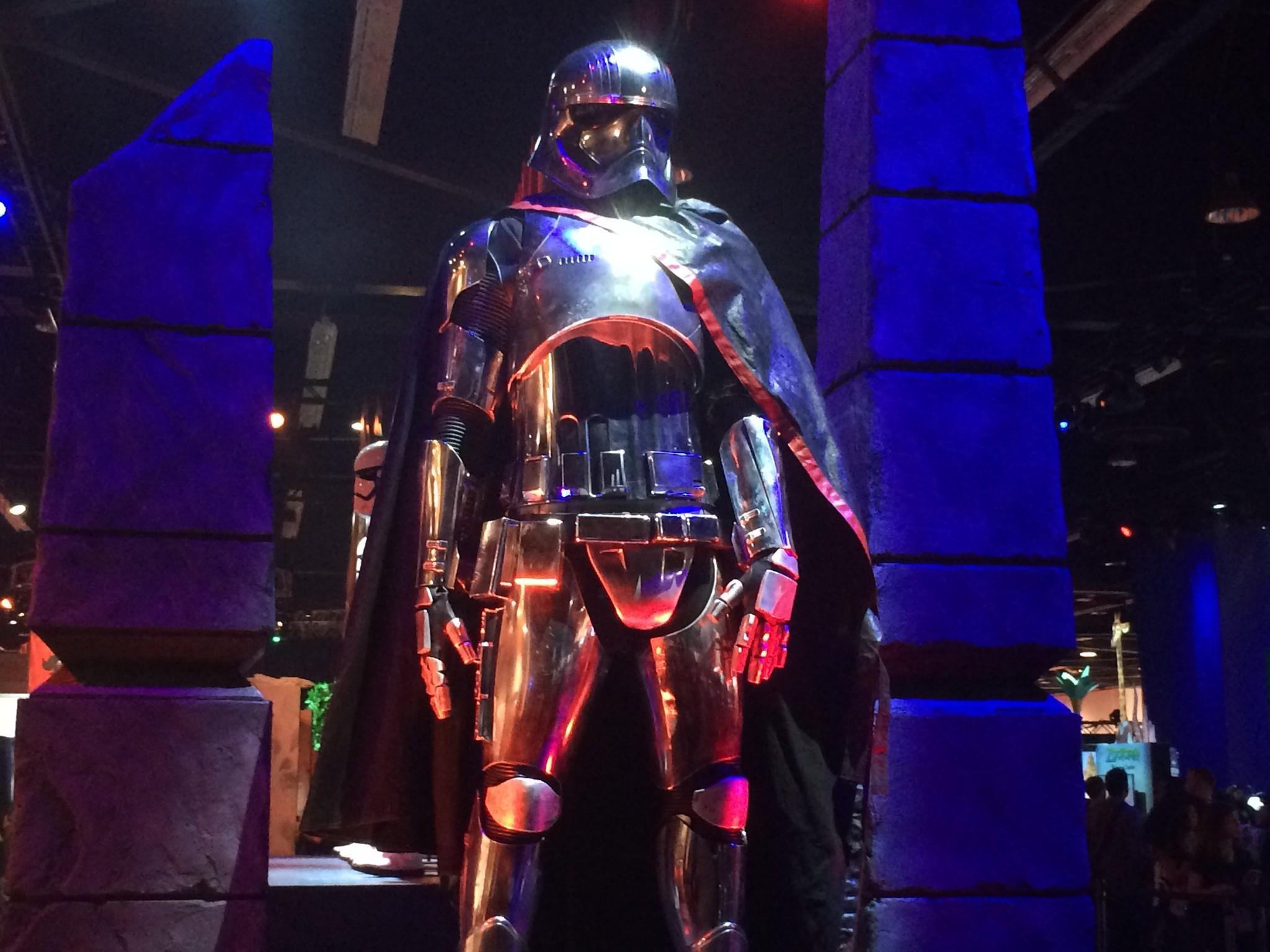 http://www.trbimg.com/img-55ce3e8a/turbine/la-et-hc-star-wars-captain-phasma-costume-d23-20150814