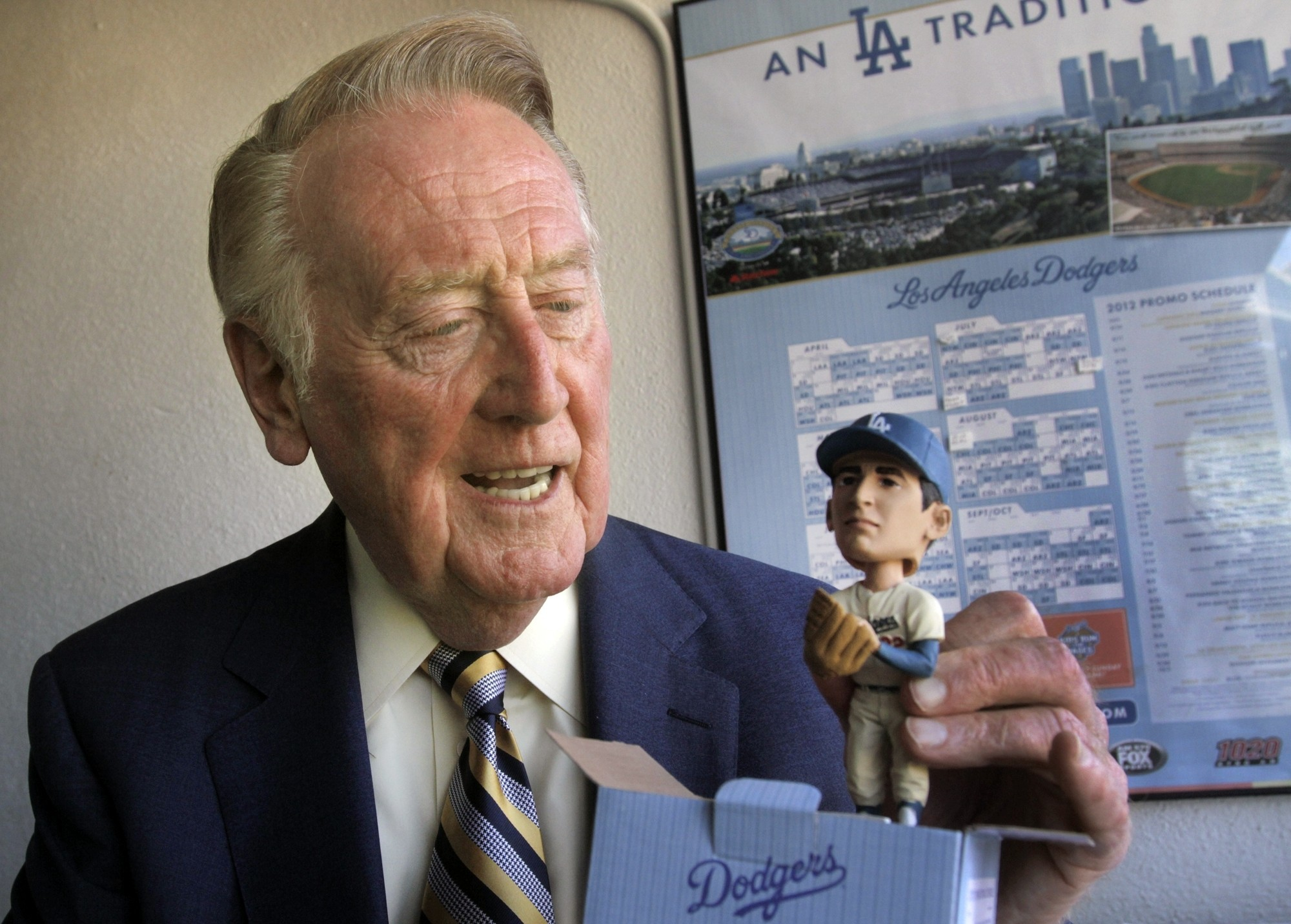 how to listen to vin scully