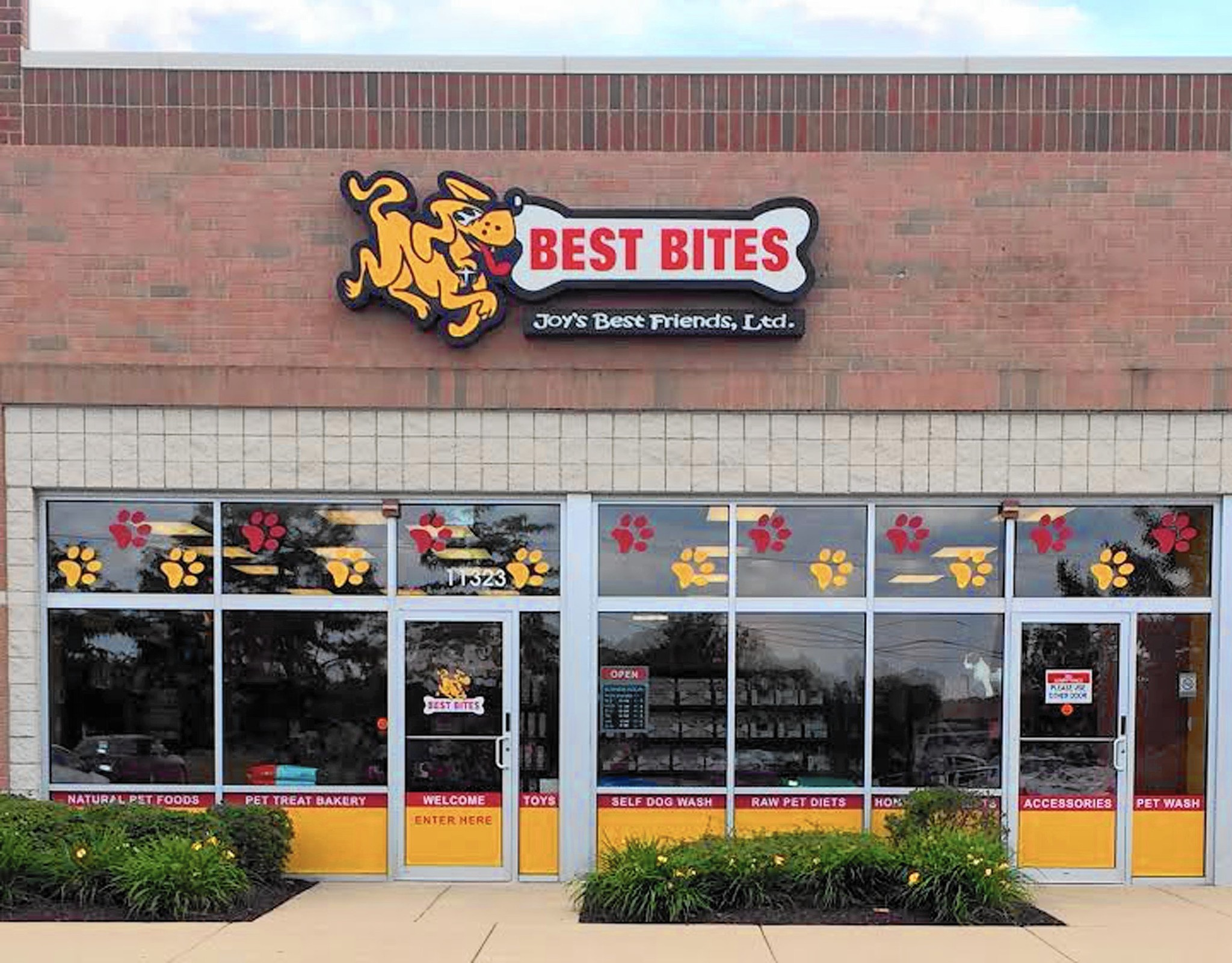 Comings and goings store for pets moves to orland park opens treat comings and goings store for pets moves to orland park opens treat bakery daily southtown solutioingenieria Image collections