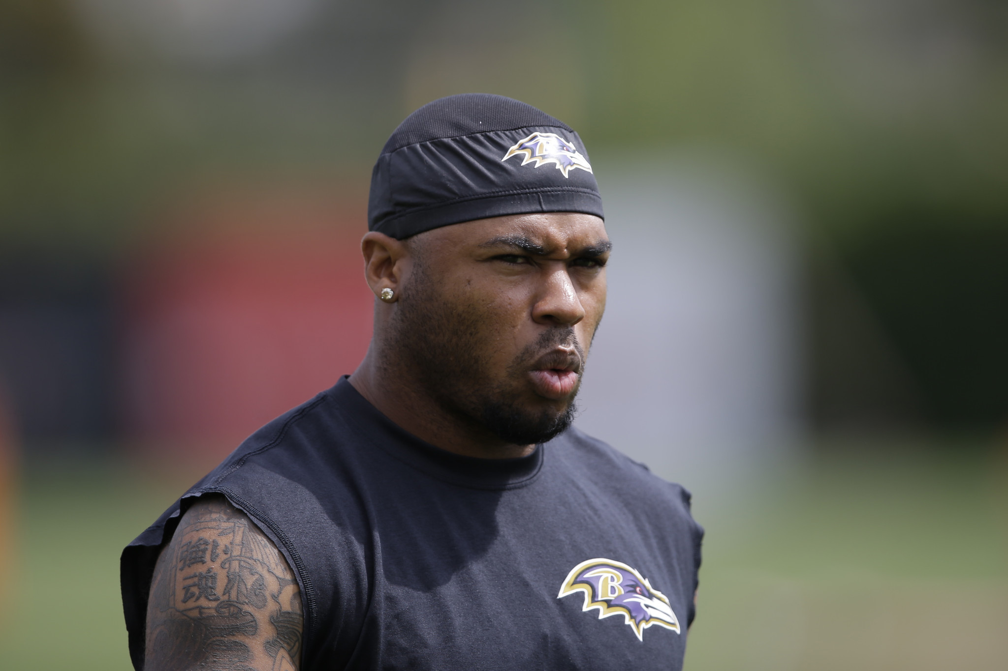 Steve Smith Sr agitates minor altercations break out between