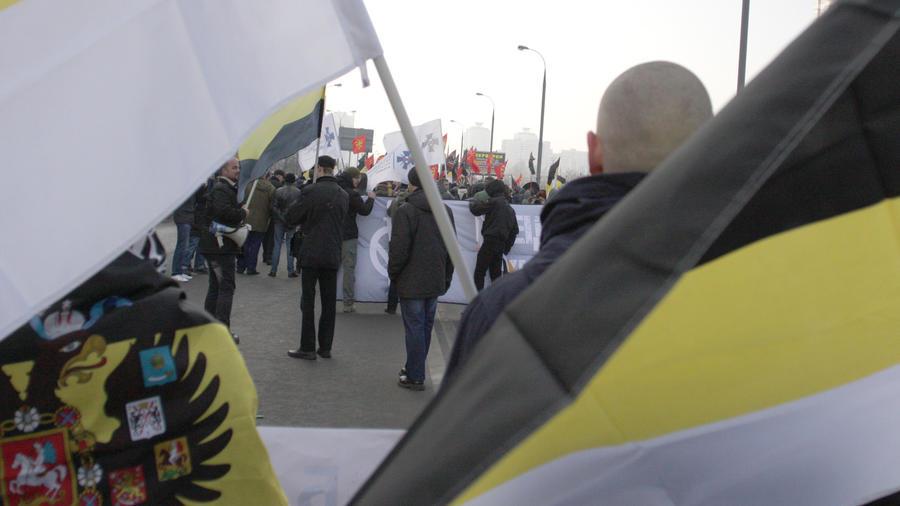 la-fg-russia-neo-nazi