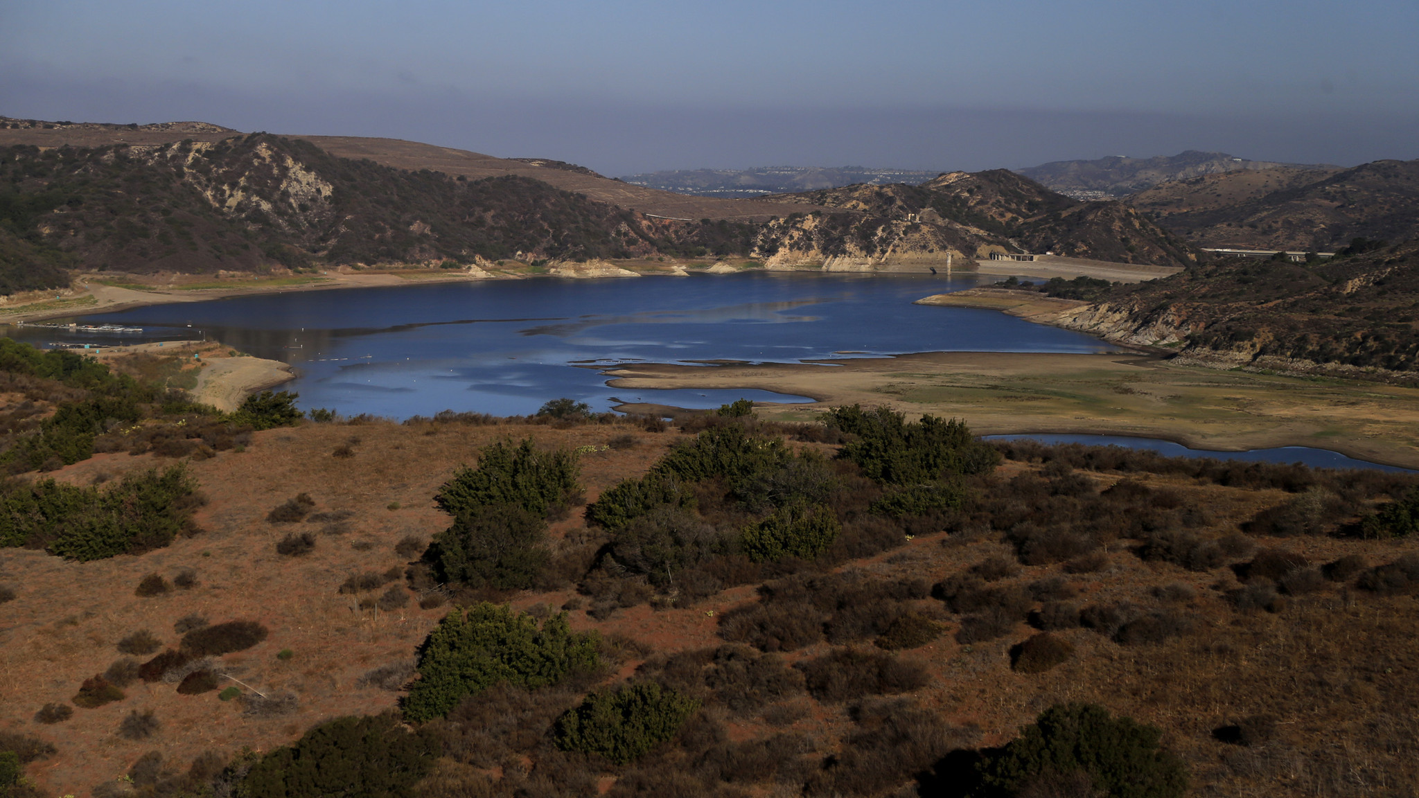 Body of fisherman who fell overboard at irvine lake found for Irvine lake fishing