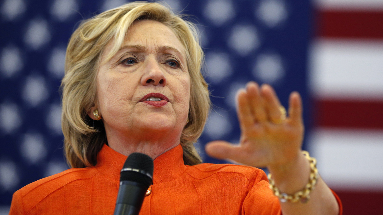 Democrats defend Hillary Clinton's use of private email server