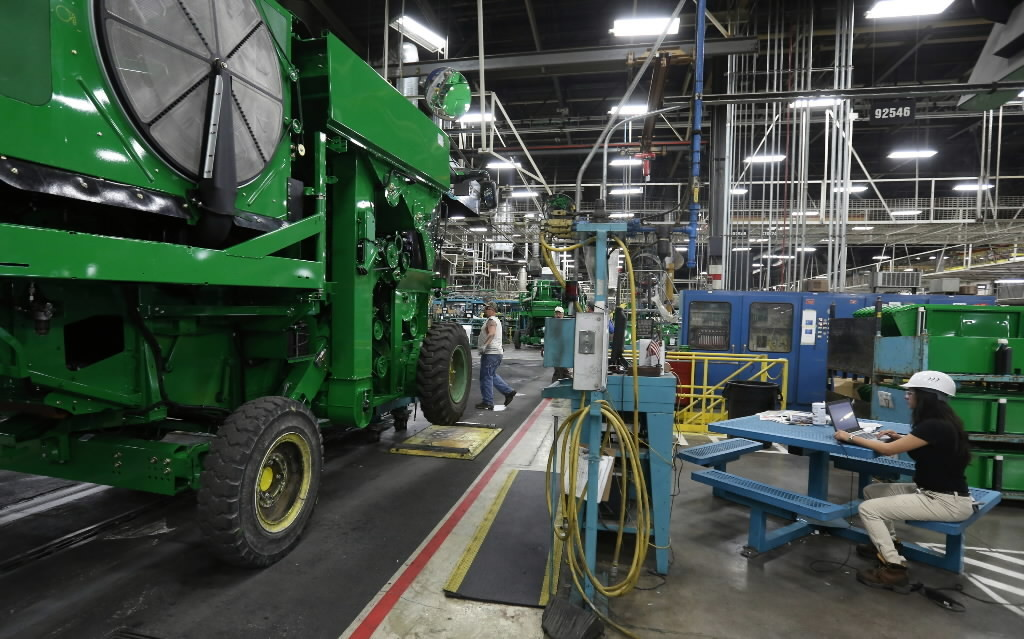 John Deere Assembly Line : Deere chicago tribune