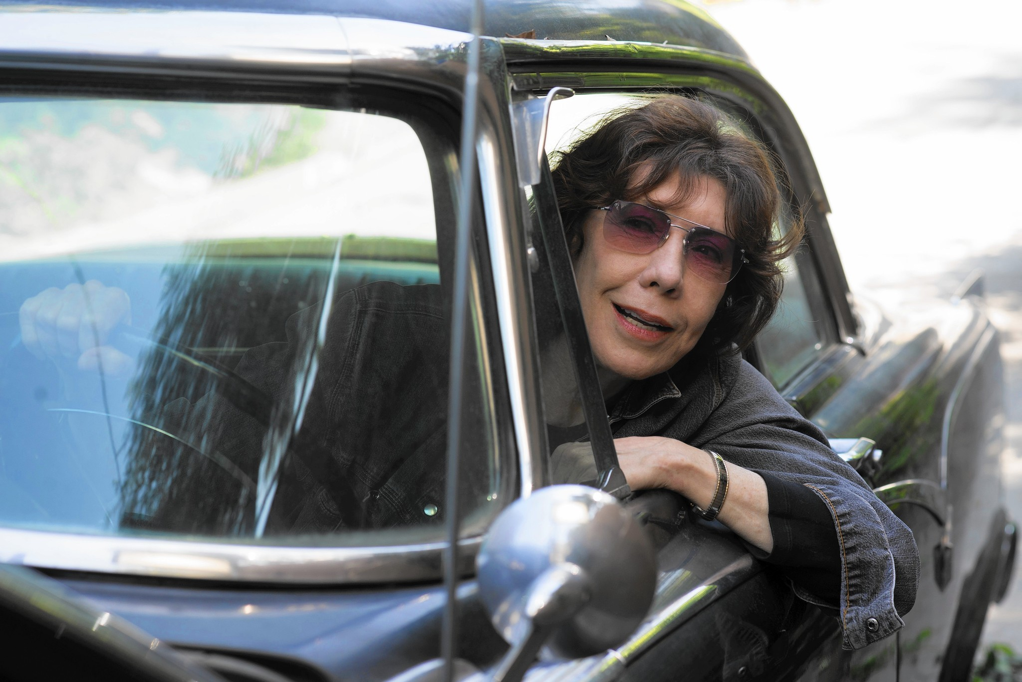 'Grandma' review: Lily Tomlin shines in story of modern family