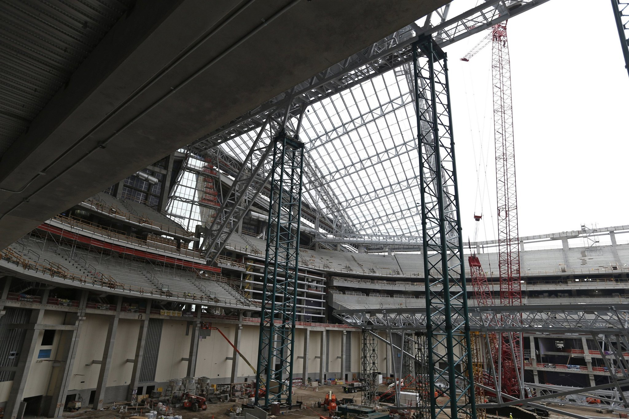 Construction Worker Plunges To Death At Vikings Stadium Site   Chicago  Tribune
