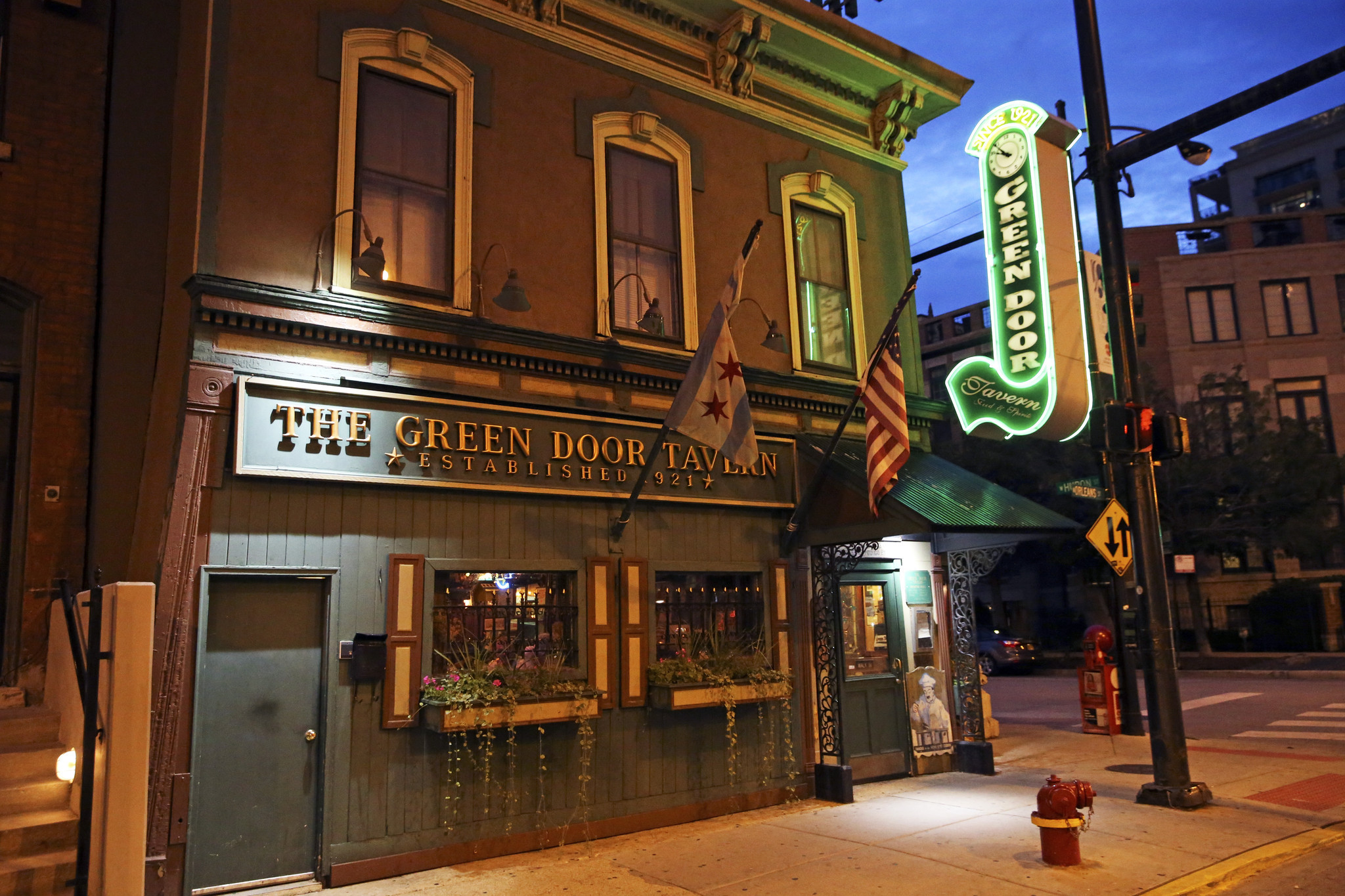 Historic Chicago Taverns How About Another Round Chicago Tribune
