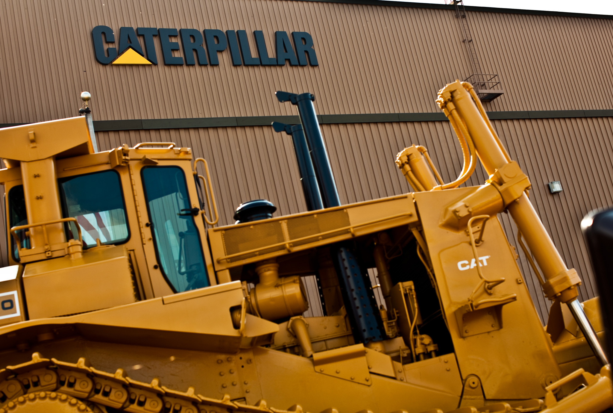 Caterpillar layoffs another big blow for Illinois workers