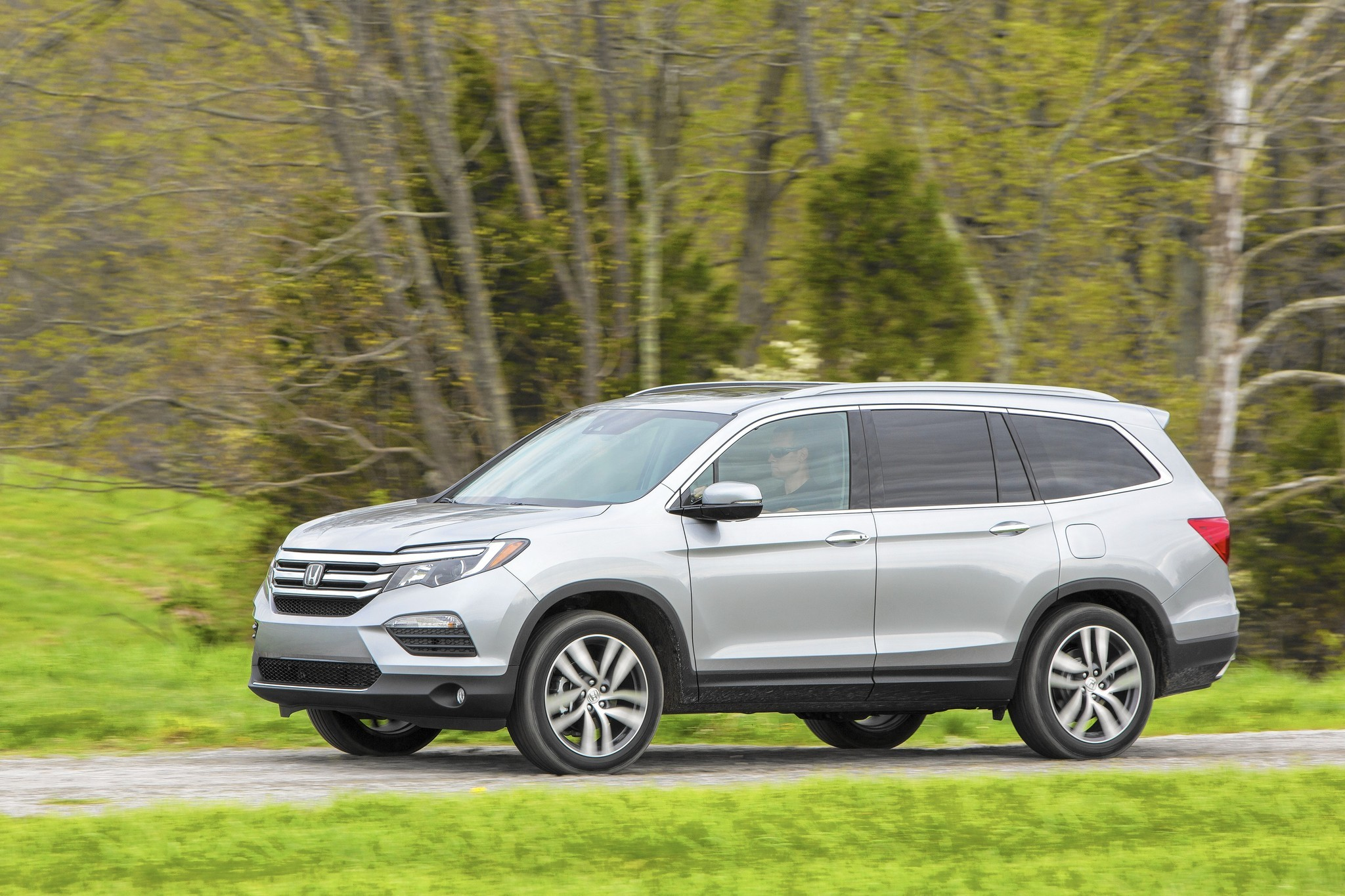 What is the best 3 row SUV for 2018 Chicago Tribune