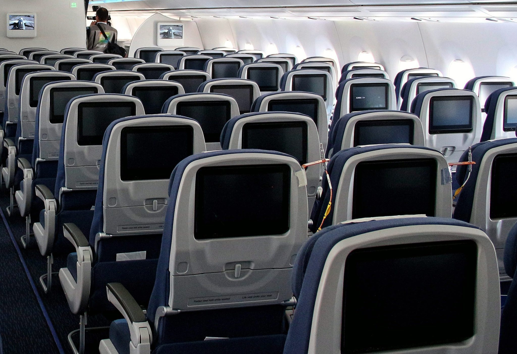 The four ickiest things you never want to touch on a plane - Los Angeles Times