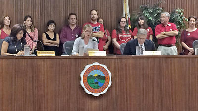 Glendale school board hears teachers' appeal for pay raise