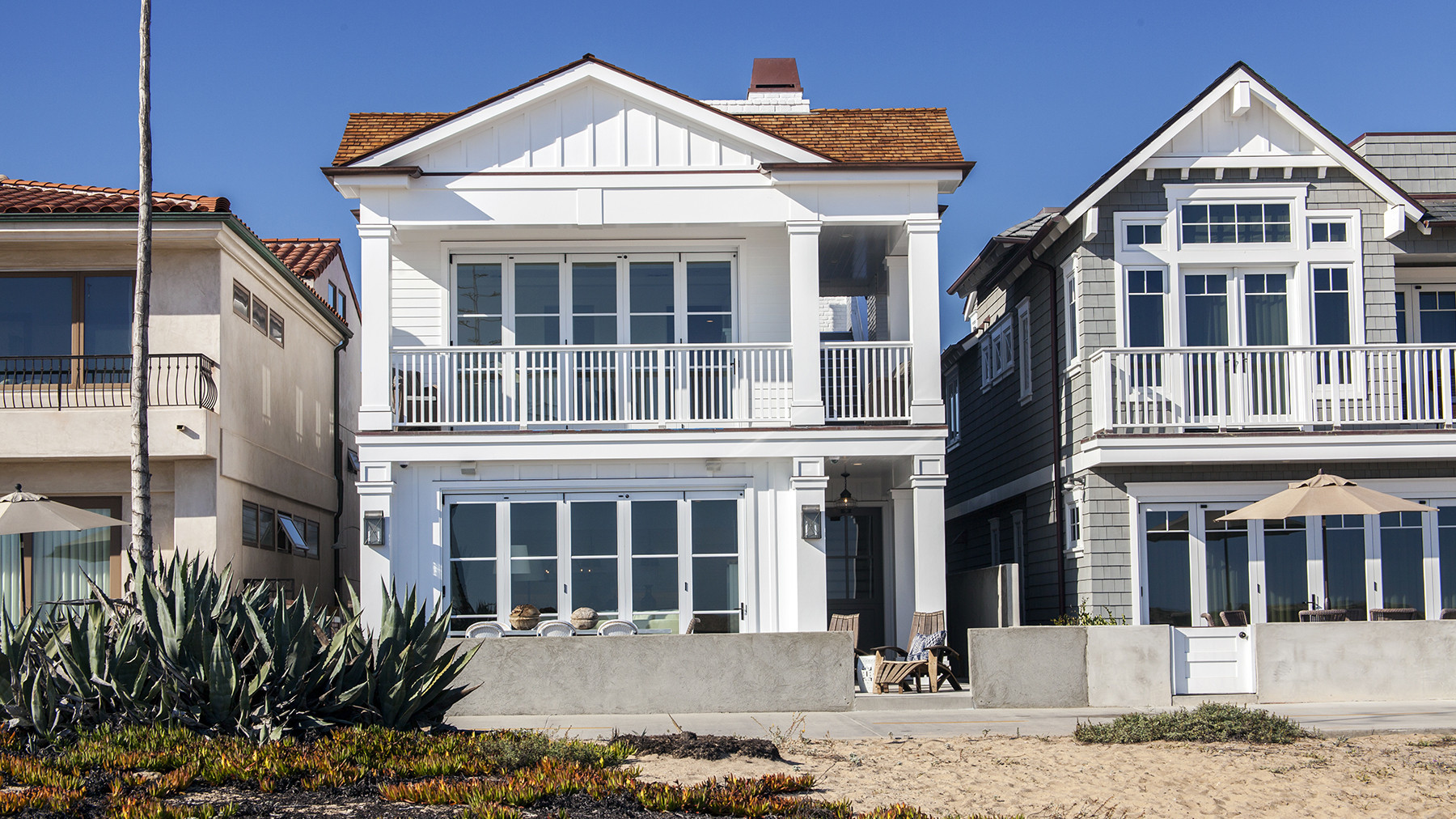 Home of the day east coast style with an ocean view in for Beach houses on the east coast