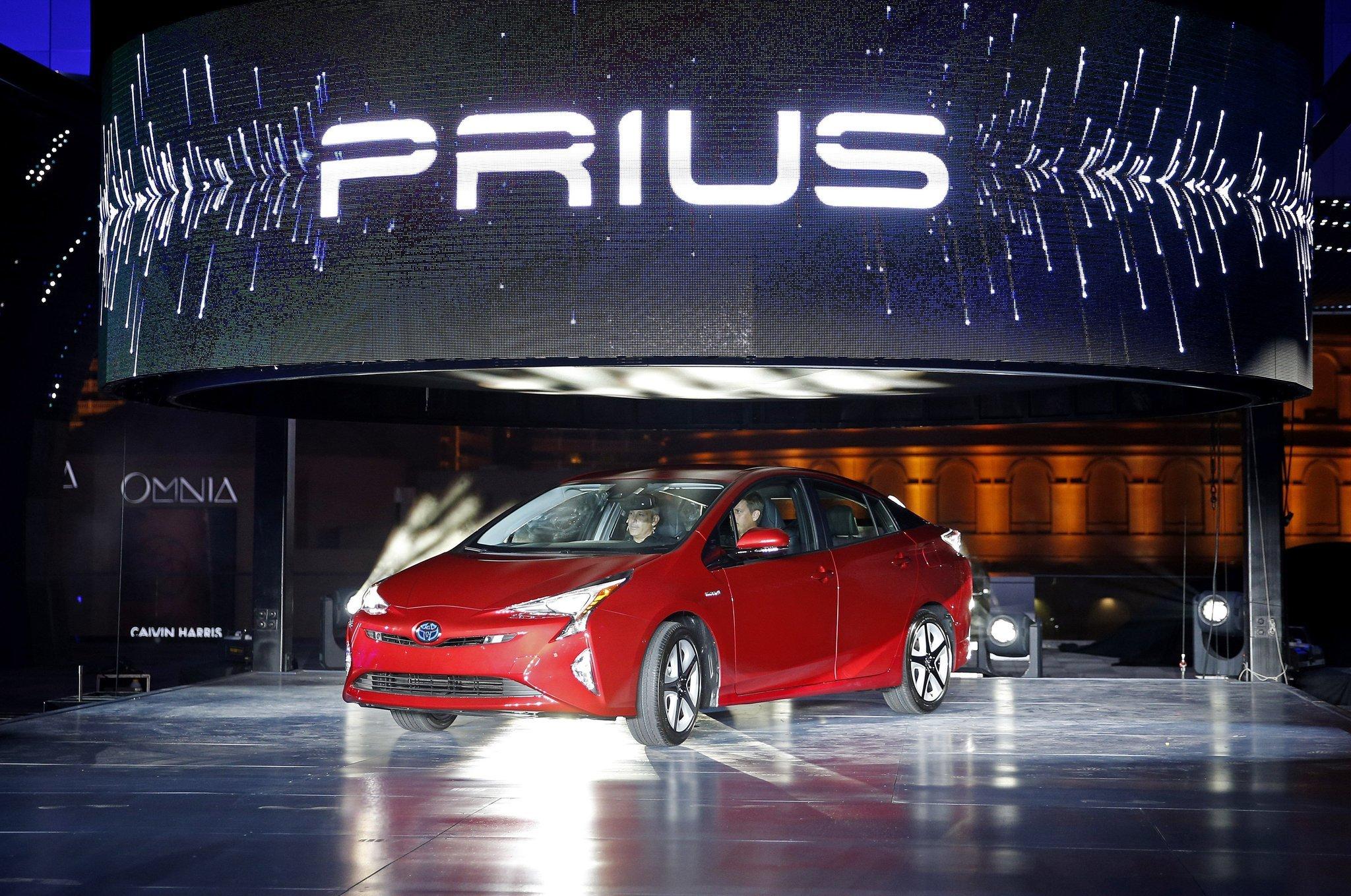 With sales flagging, Toyota unveils a sportier Prius - LA ...