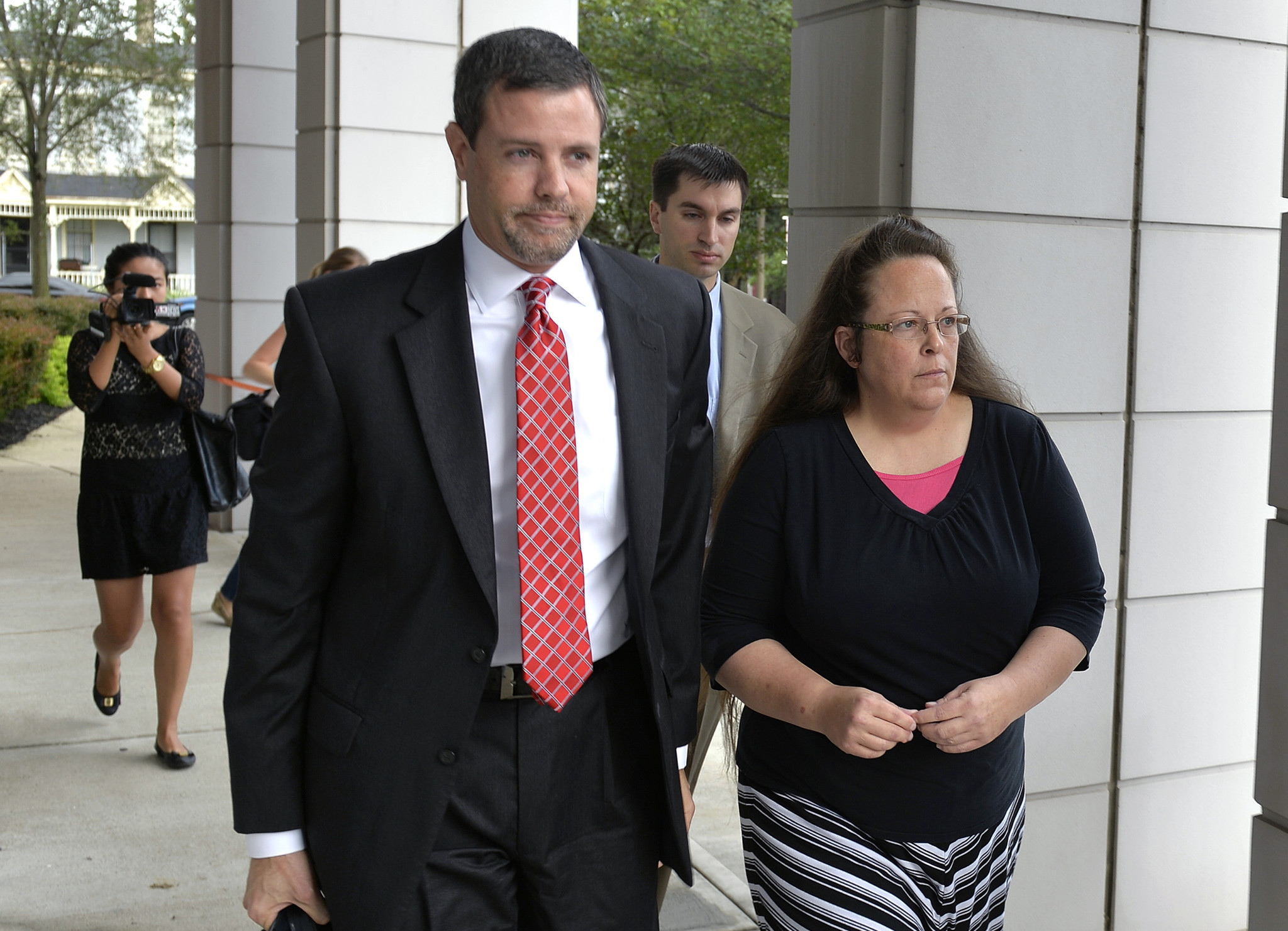 Supreme Court rules against Kentucky clerk in gay marriage case