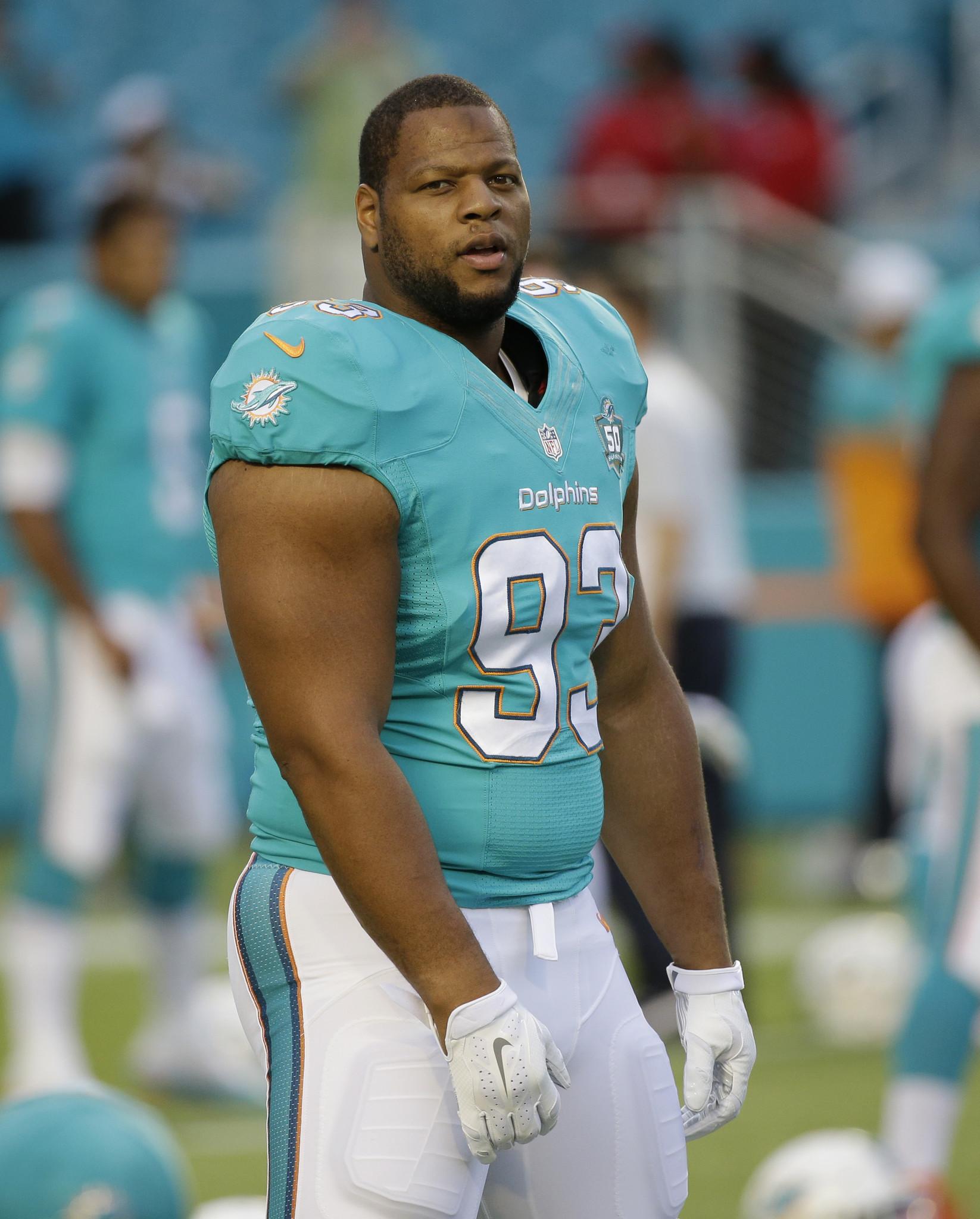 NFL says it won t penalize Dolphins Ndamukong Suh Orlando Sentinel