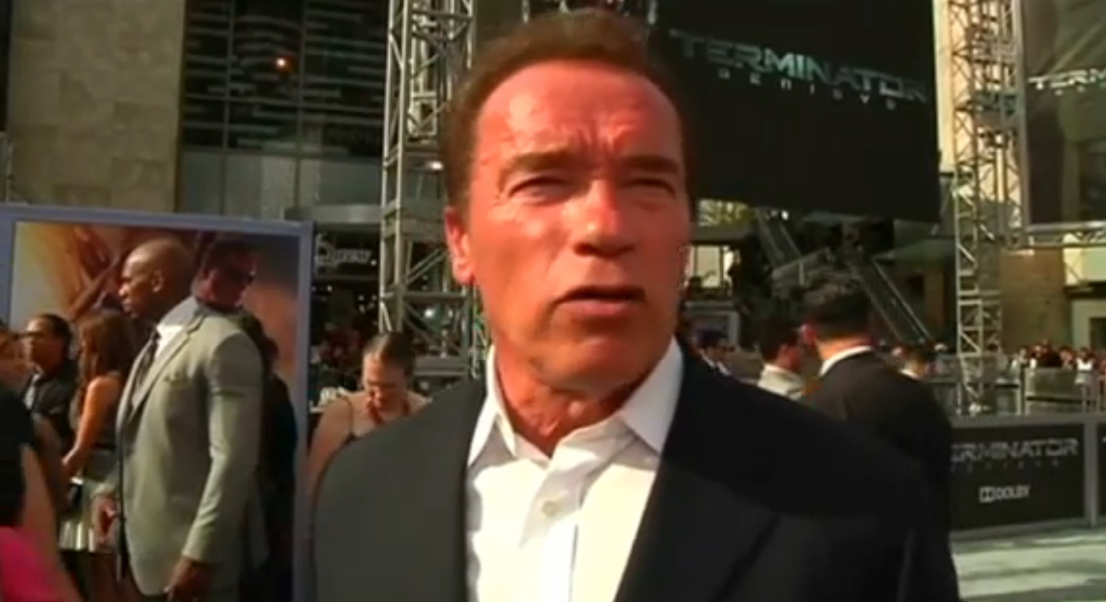 Arnold Schwarzenegger - Hair makes him the perfect Donald ...