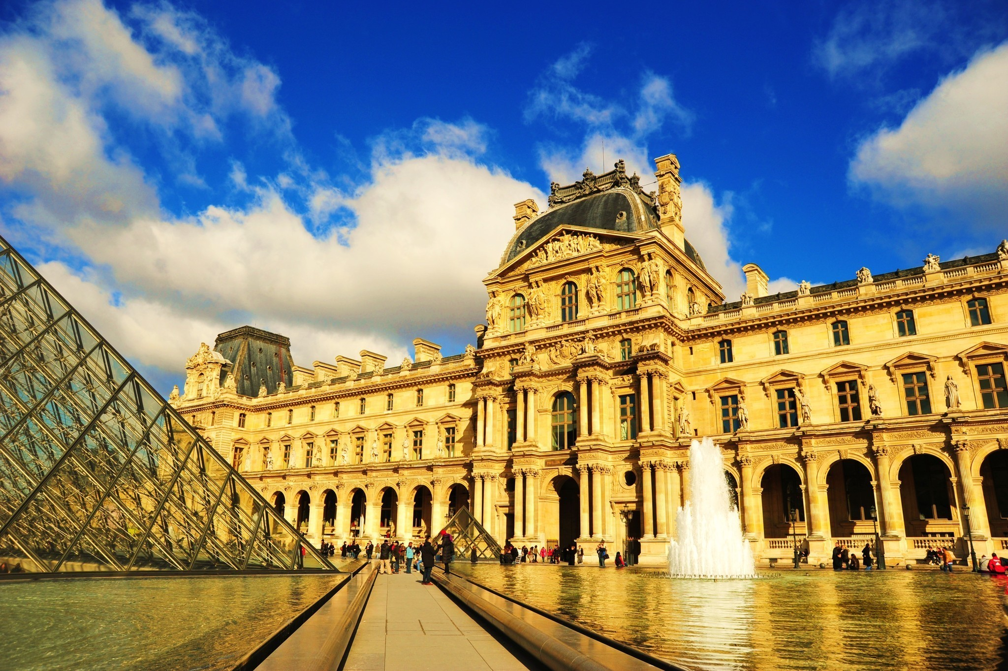 Photos world 39 s best museums the morning call for Top ten museums in the world