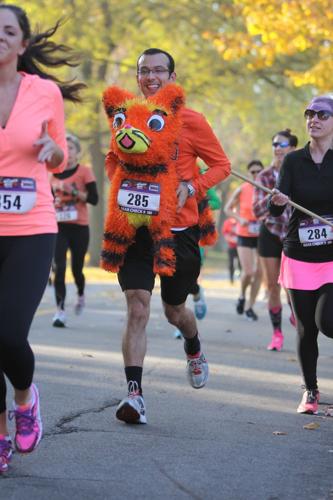 halloween hustle 5k hits the streets of downtown palatine saturday oct 24 chicago tribune
