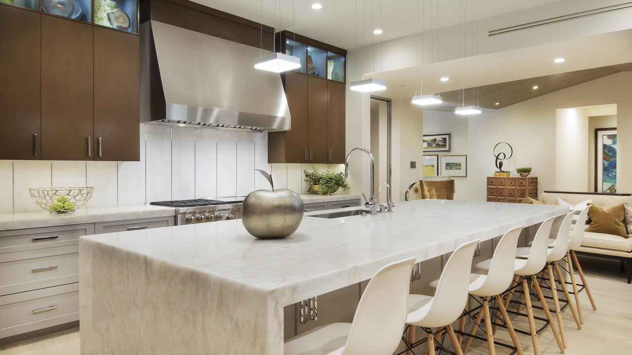 Home of the Day: A tricked-out modern farmhouse in Corona del Mar