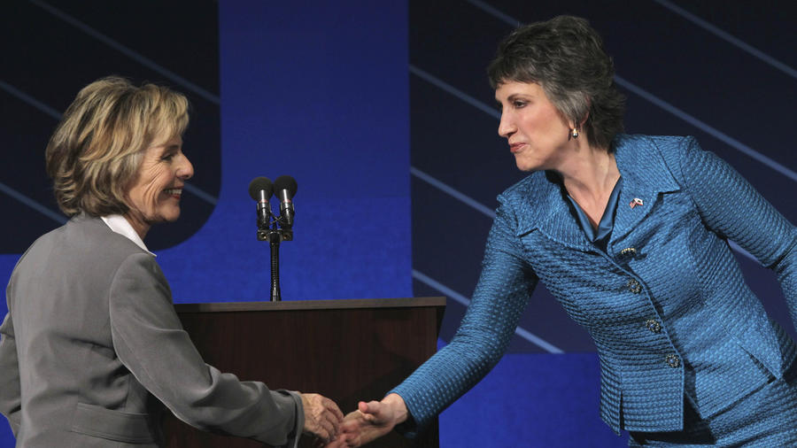 Boxer (left) and Fiorina in 2010. (Justin Sullivan / Associated Press)