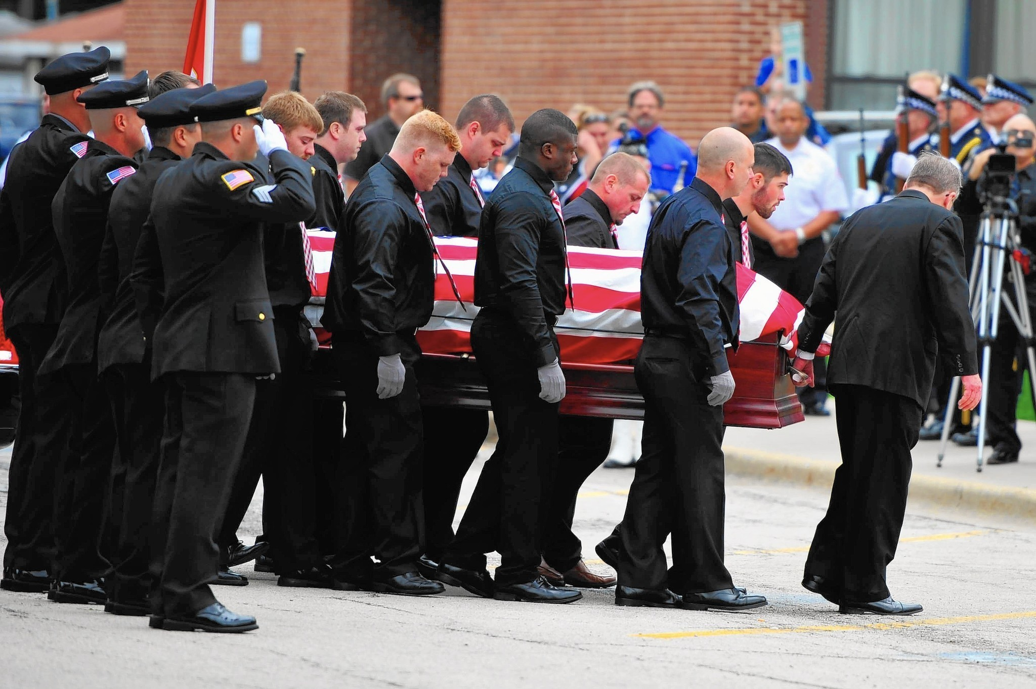 Chicago Ridge says good bye to officer killed in off duty crash